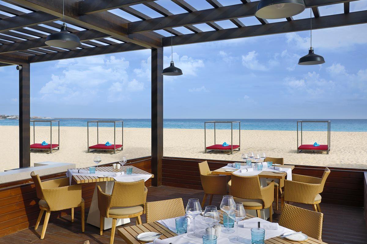 hotel-hilton-the-bounty-beach-restaurant-4