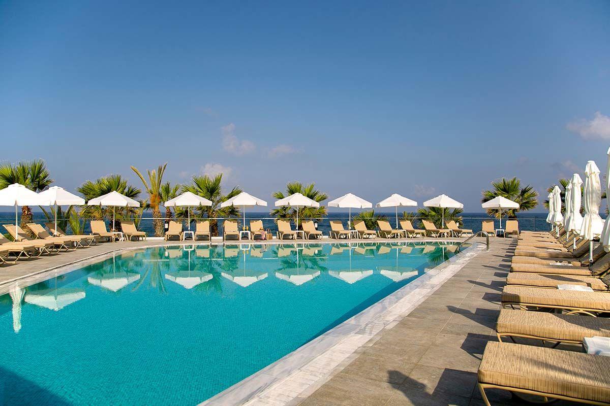 hotel-louis-paphos-breeze-01