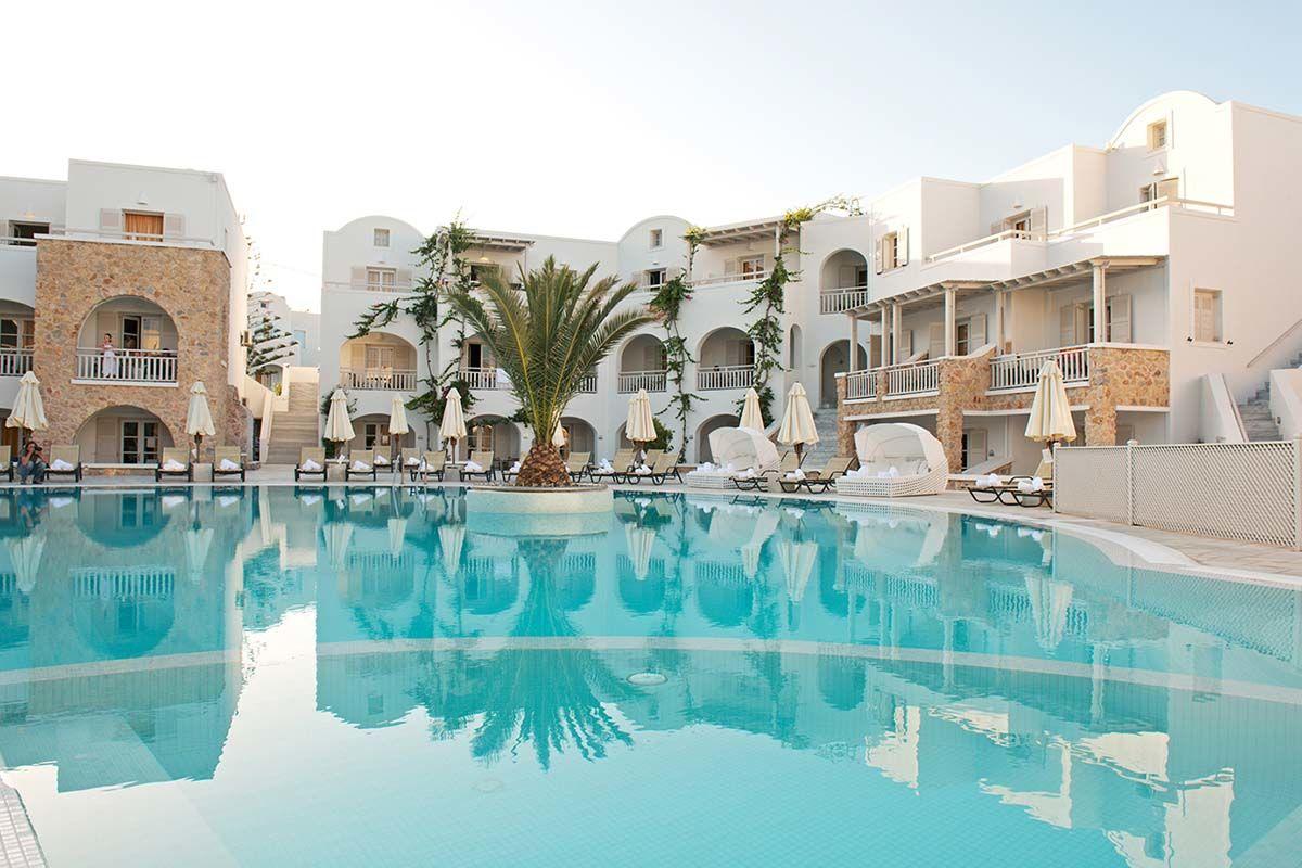 Aégean Plaza Hotel 4* sup. - arrivée Santorin