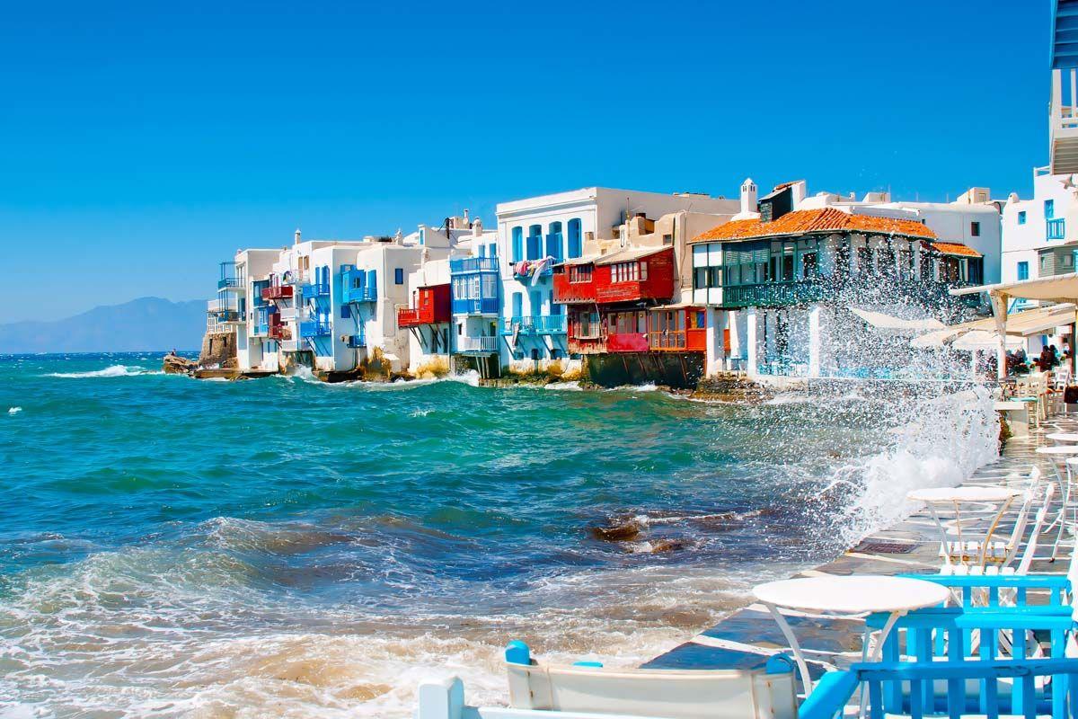 Périples dans les Cyclades depuis Athènes - Mykonos et Santorin en 3*