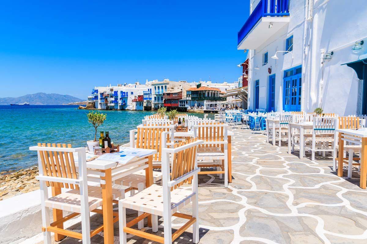 Périples dans les Cyclades depuis Athènes - Mykonos et Santorin en 4*