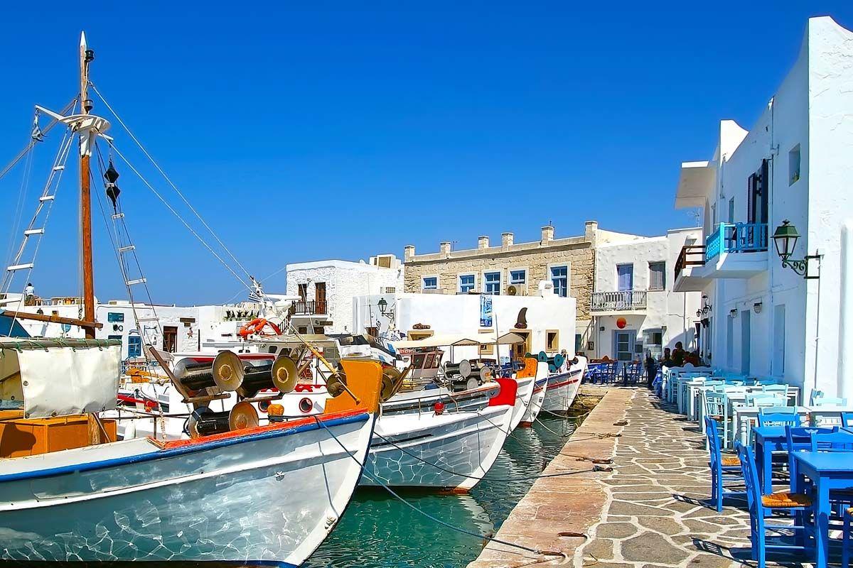 Périple dans les Cyclades depuis Athènes - Paros et Santorin en 3*