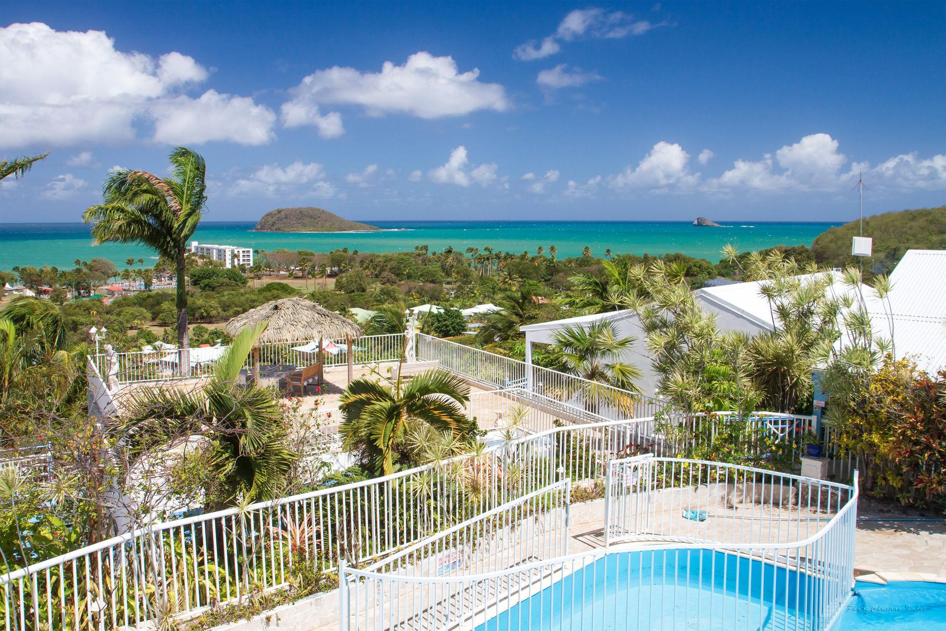 Résidence Caraïbes Bonheur 4* avec location de voiture